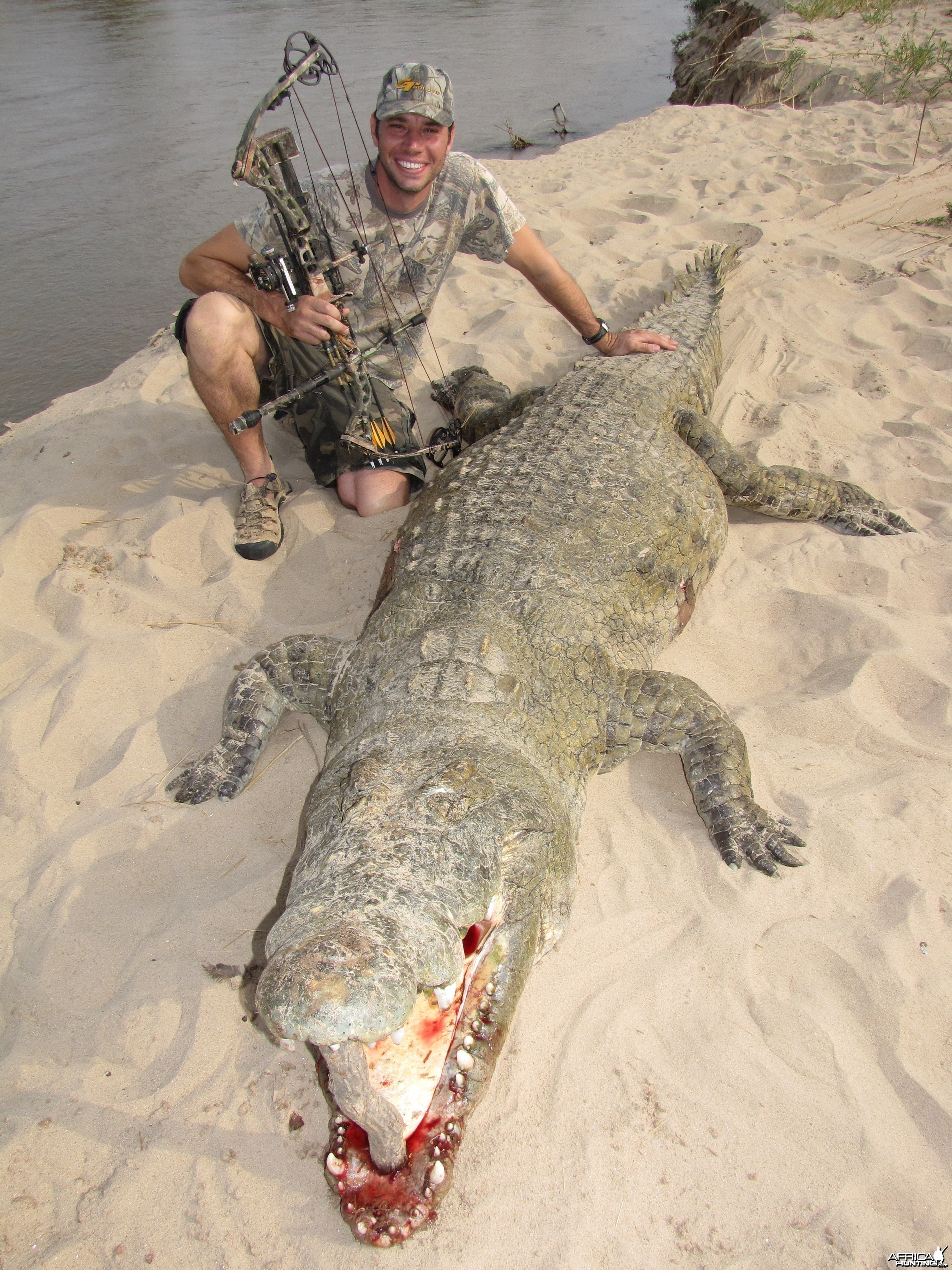 Bowhunting Crocodile in Zambia