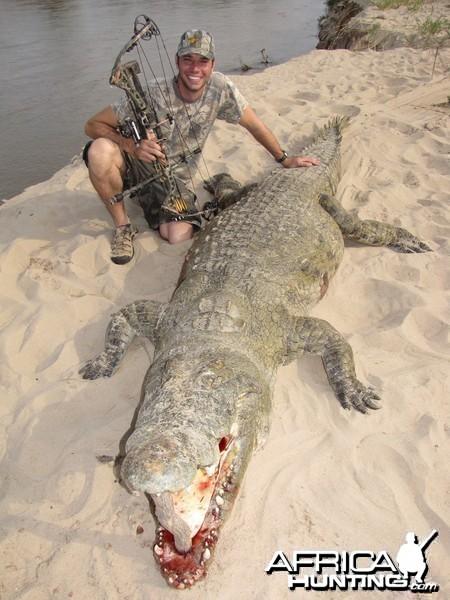 Bowhunting Crocodile in Zambia