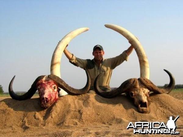 Hunting Buffalo and Elephant with Pelandaba Safaris in Zimbabwe