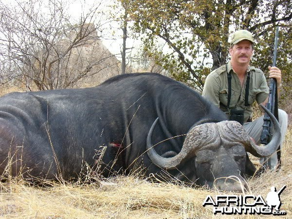 Buffalo hunted with SSG Safaris PH Nixon Dzingai
