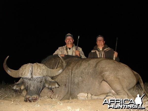 PH Ricus de Villiers with Wintershoek Johnny Vivier Safaris in South Africa