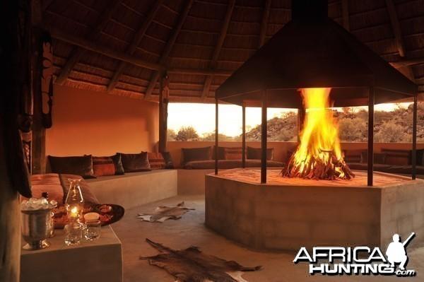 Wag n Bietjie Lodge - Wintershoek Johnny Vivier Safaris in South Africa