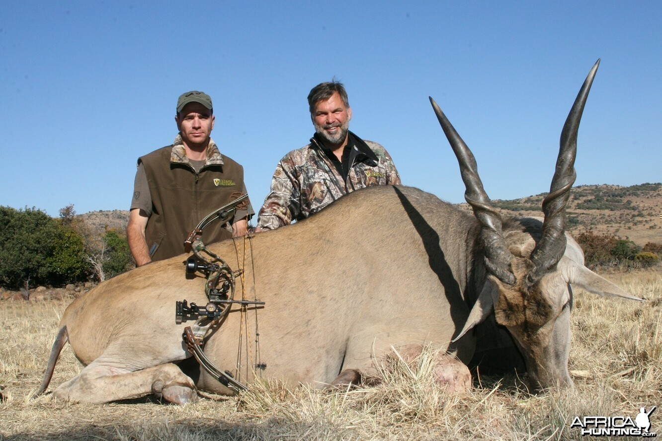 Bowhunting Eland with Wintershoek Johnny Vivier Safaris in South Africa