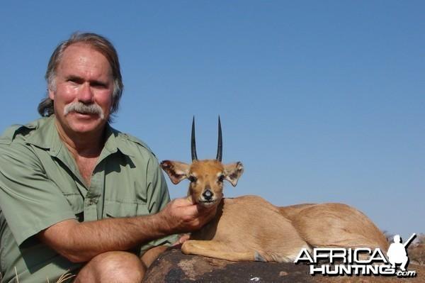 Hunting Steenbuck with Wintershoek Johnny Vivier Safaris in SA