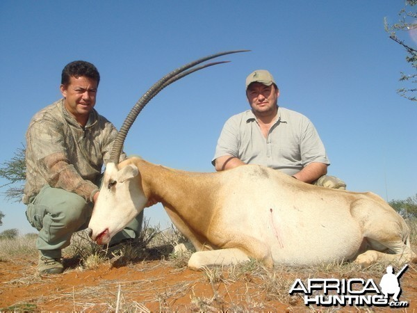 Hunting Scimitar Oryx with Wintershoek Johnny Vivier Safaris in SA