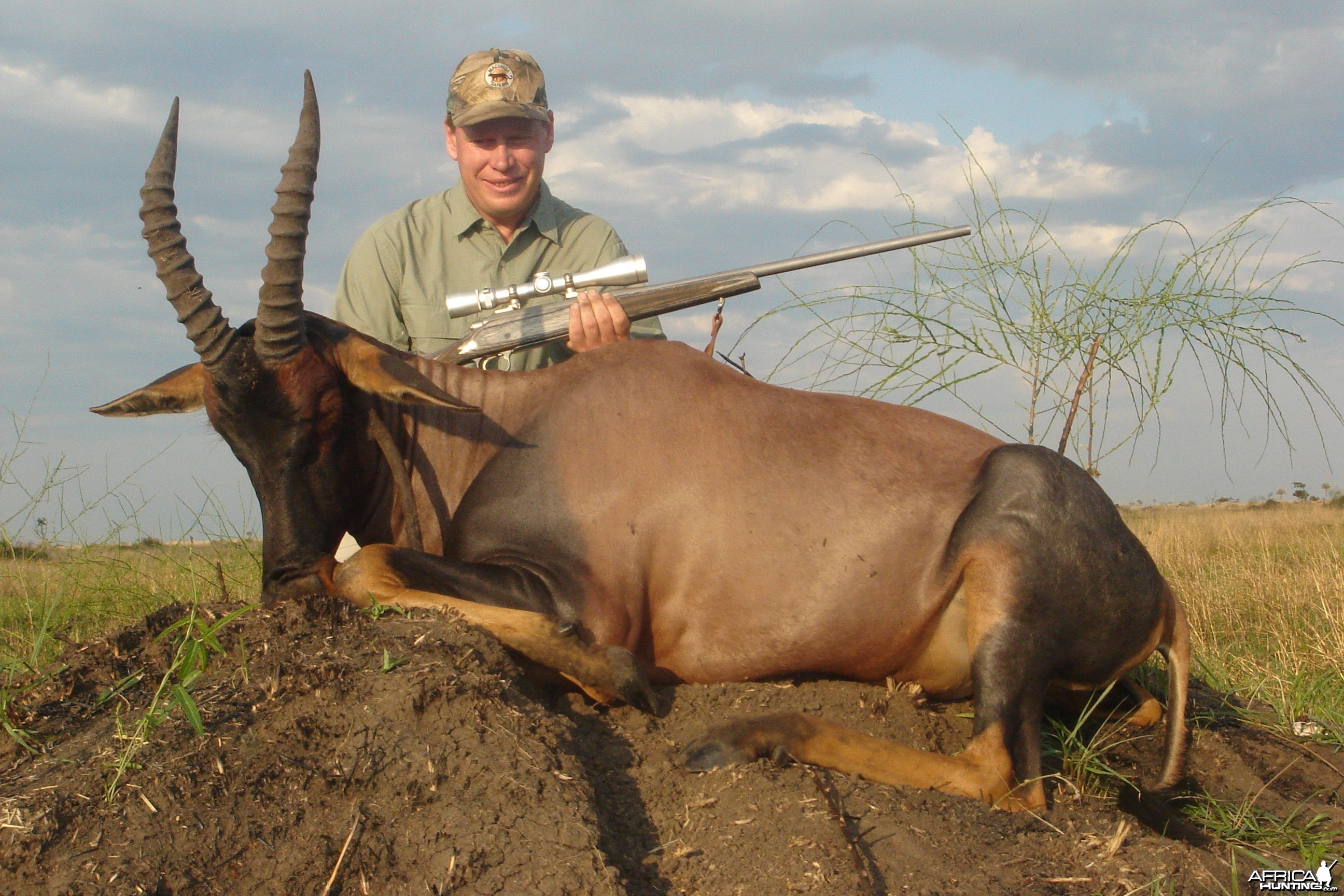 Hunting Topi with Wintershoek Johnny Vivier Safaris in SA