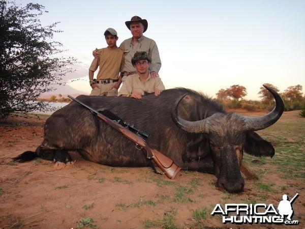 Hunting Buffalo Cow with Wintershoek Johnny Vivier Safaris in SA