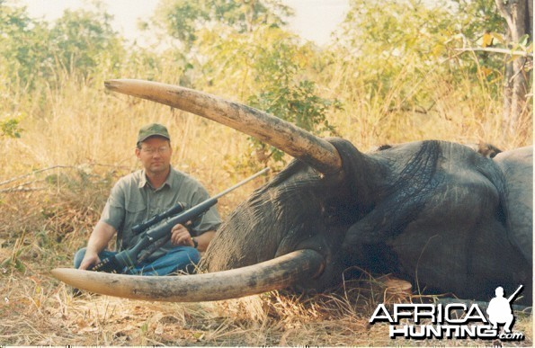 Hunting Elephant with Wintershoek Johnny Vivier Safaris in SA