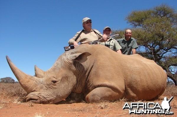 Hunting White Rhino with Wintershoek Johnny Vivier Safaris in SA