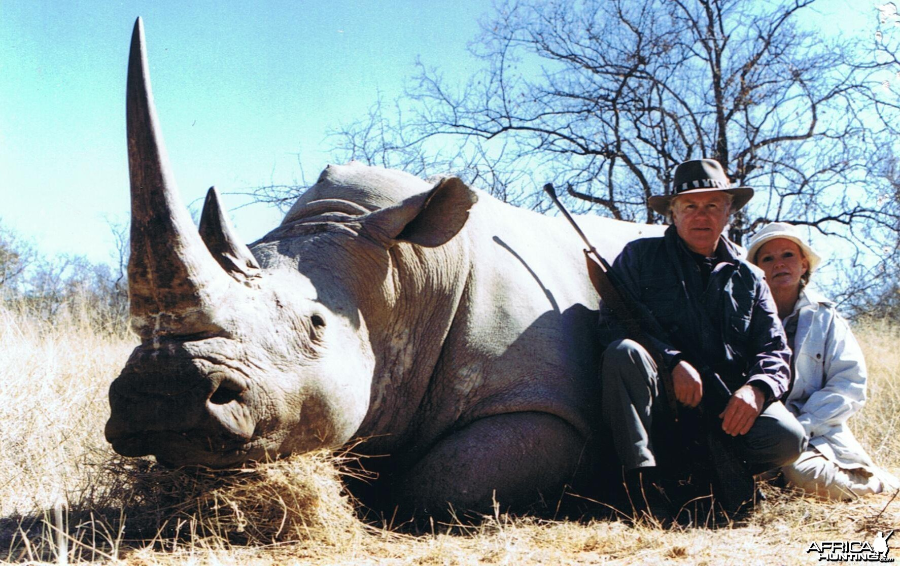 Hunting White Rhino with Wintershoek Johnny Vivier Safaris in SA