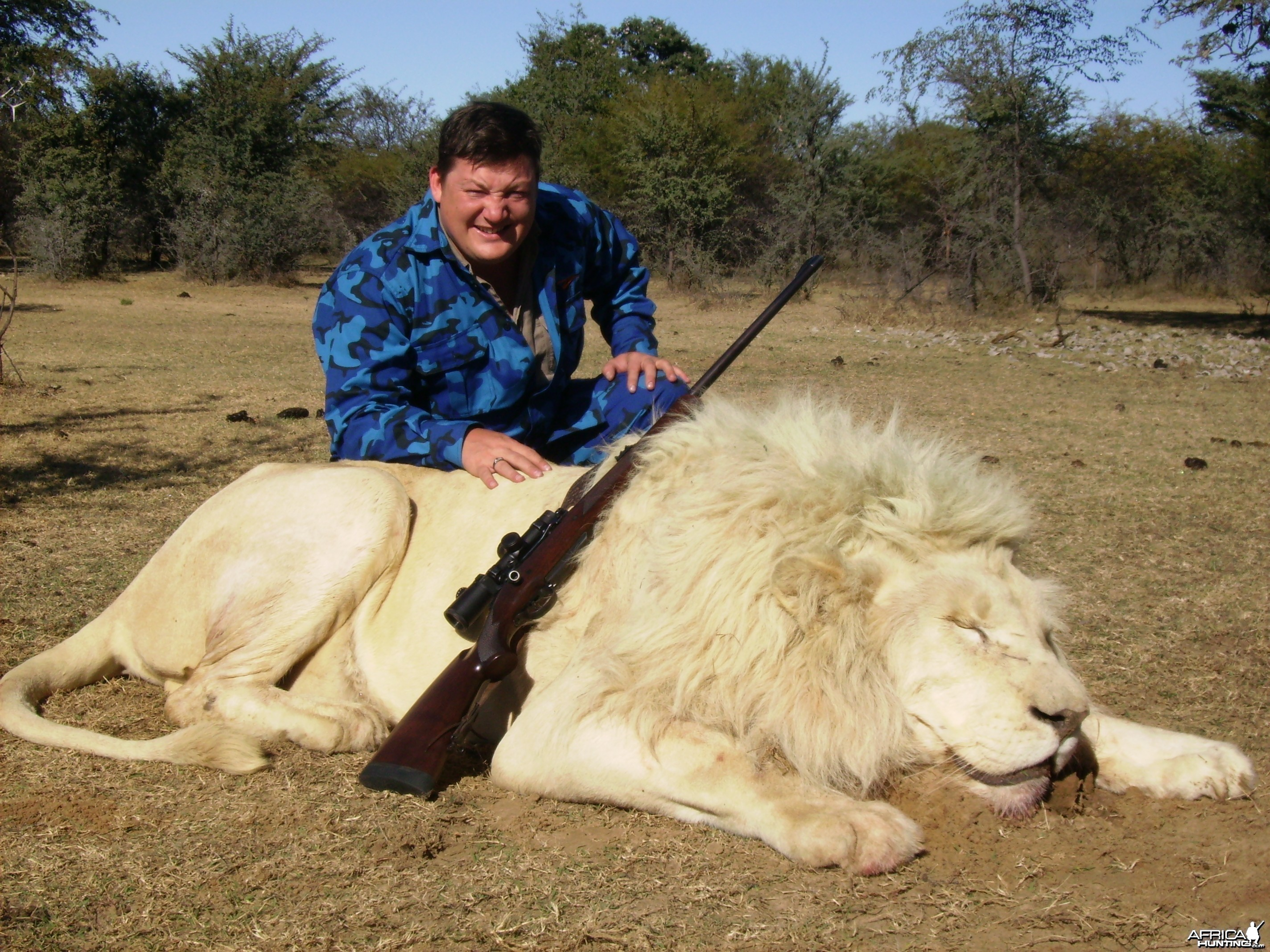 vadim with white lion male 2011