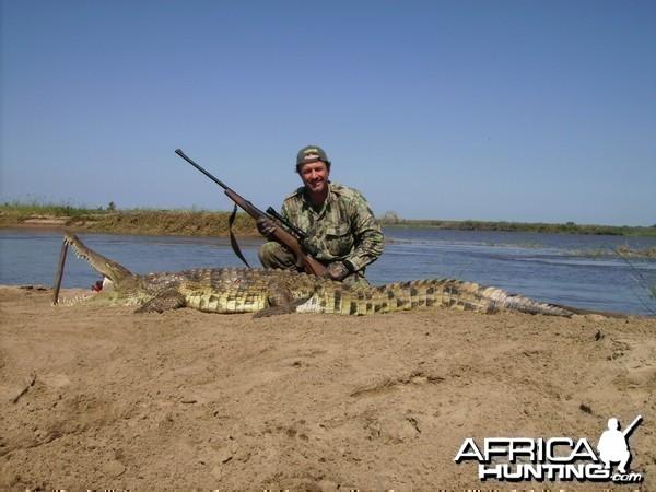 frank berbuir with mozambique croc 2011