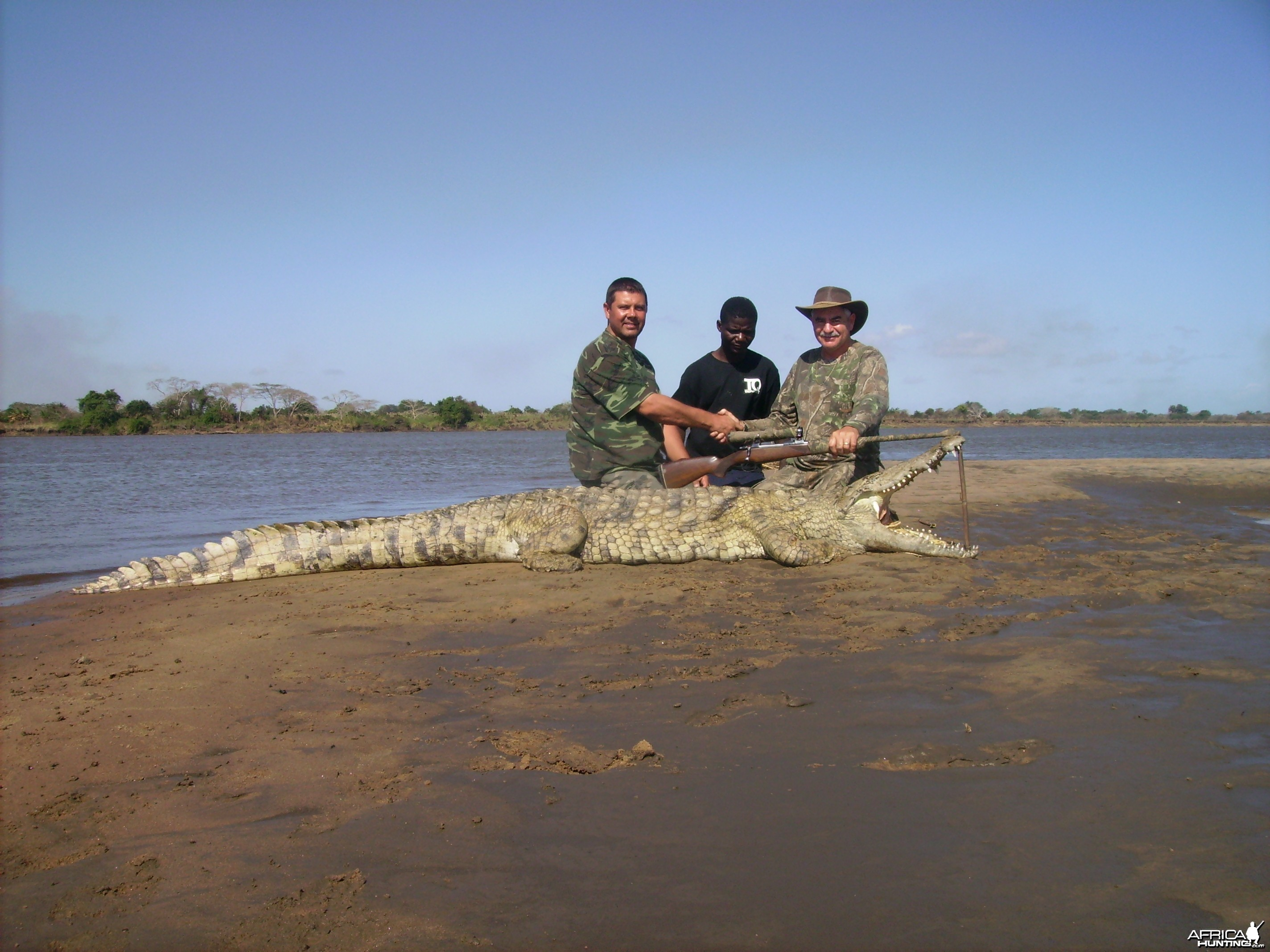 leon comrinck with mozambique croc, 2010