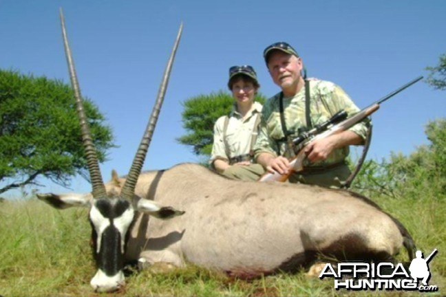 Hunting Gemsbok with Wintershoek Johnny Vivier Safaris in SA