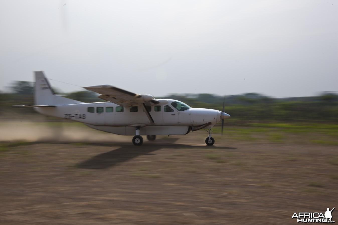 Caravan plane landing