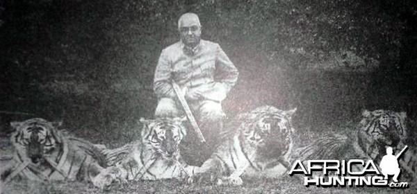 Maharaj Kumar of Vizainagram with 4 Trophy Tigers