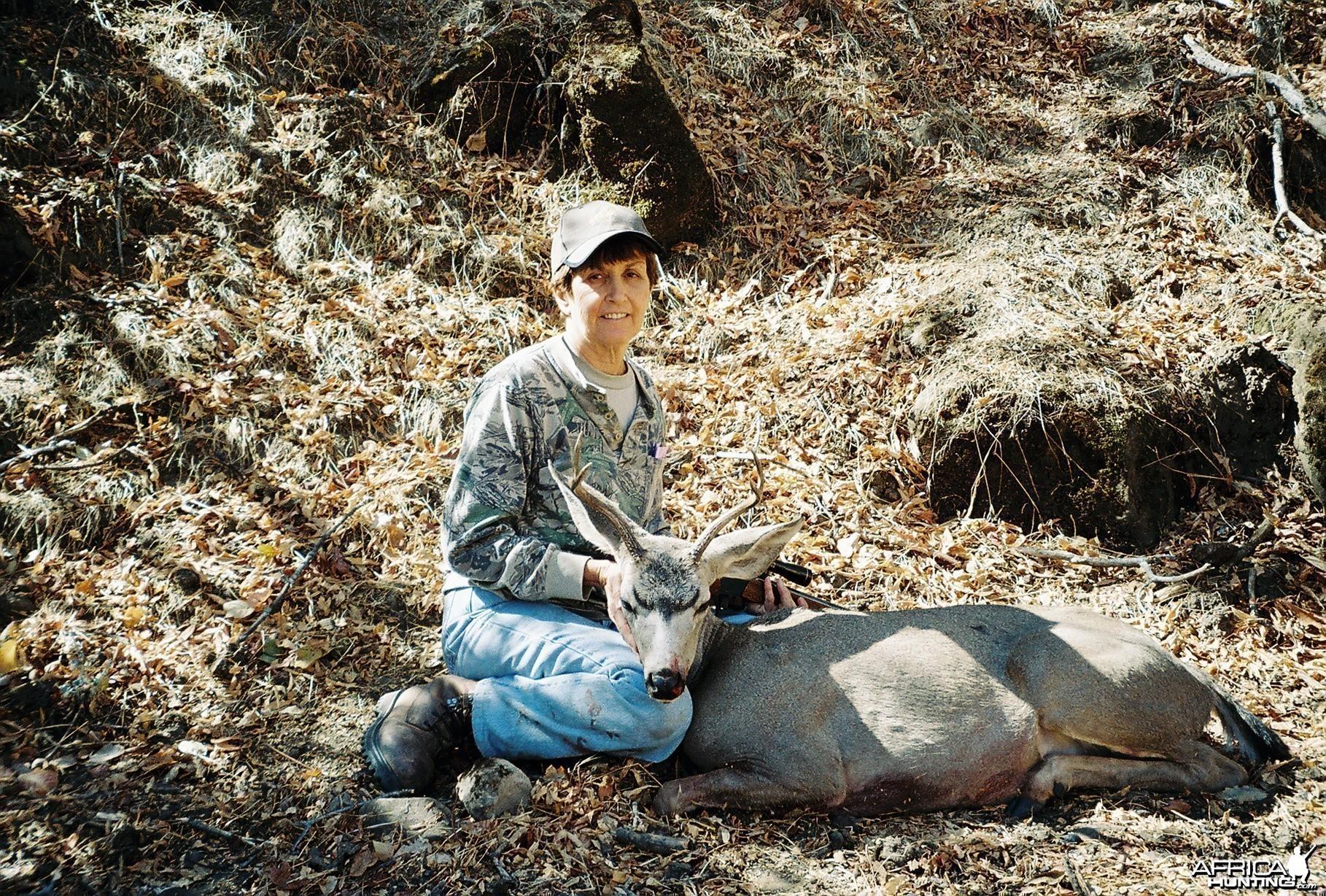 deena's last deer in cal.