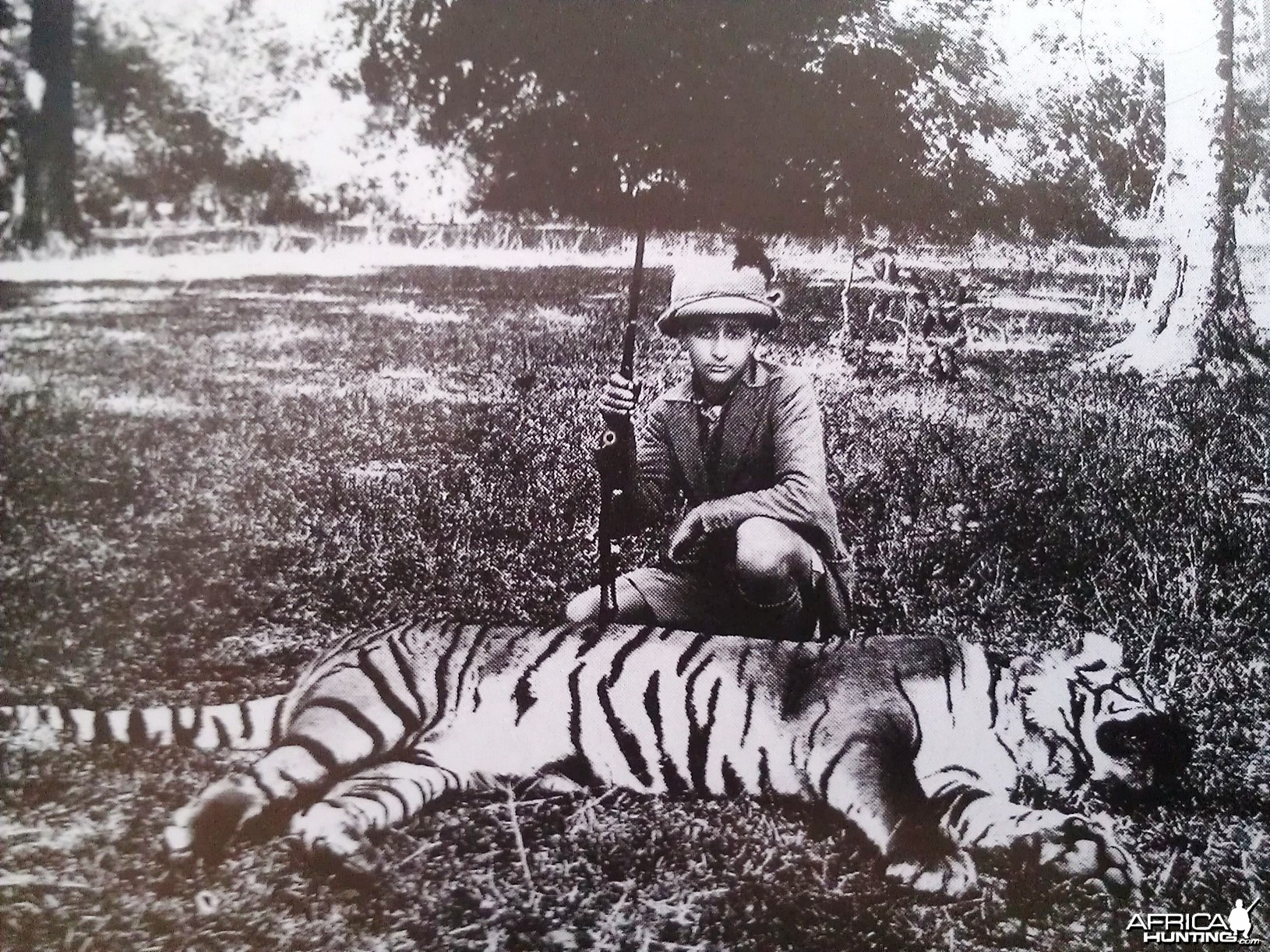 Billy Arjan Singh with his first tiger shot at age 14