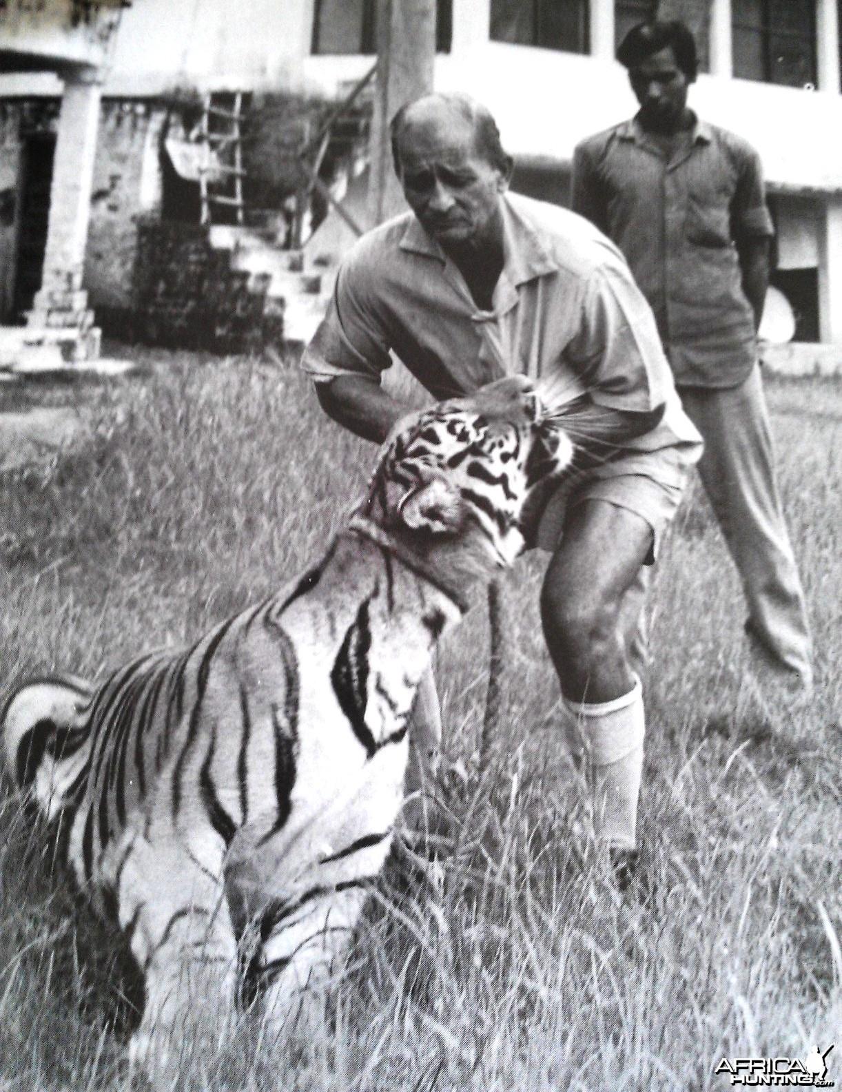 Billy Arjan Singh with TARA