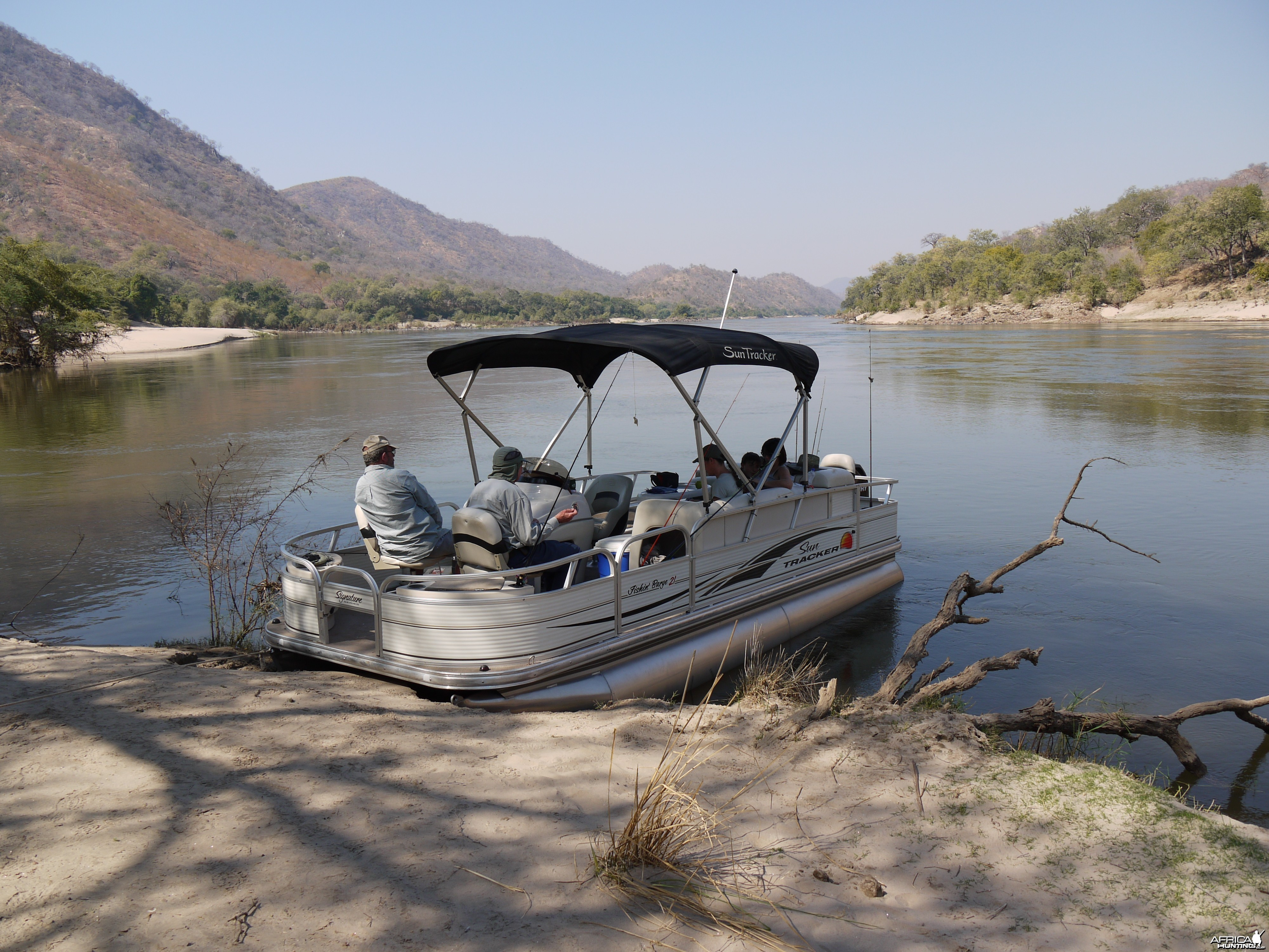 fishing below mupata gorge to lower zambezi NP