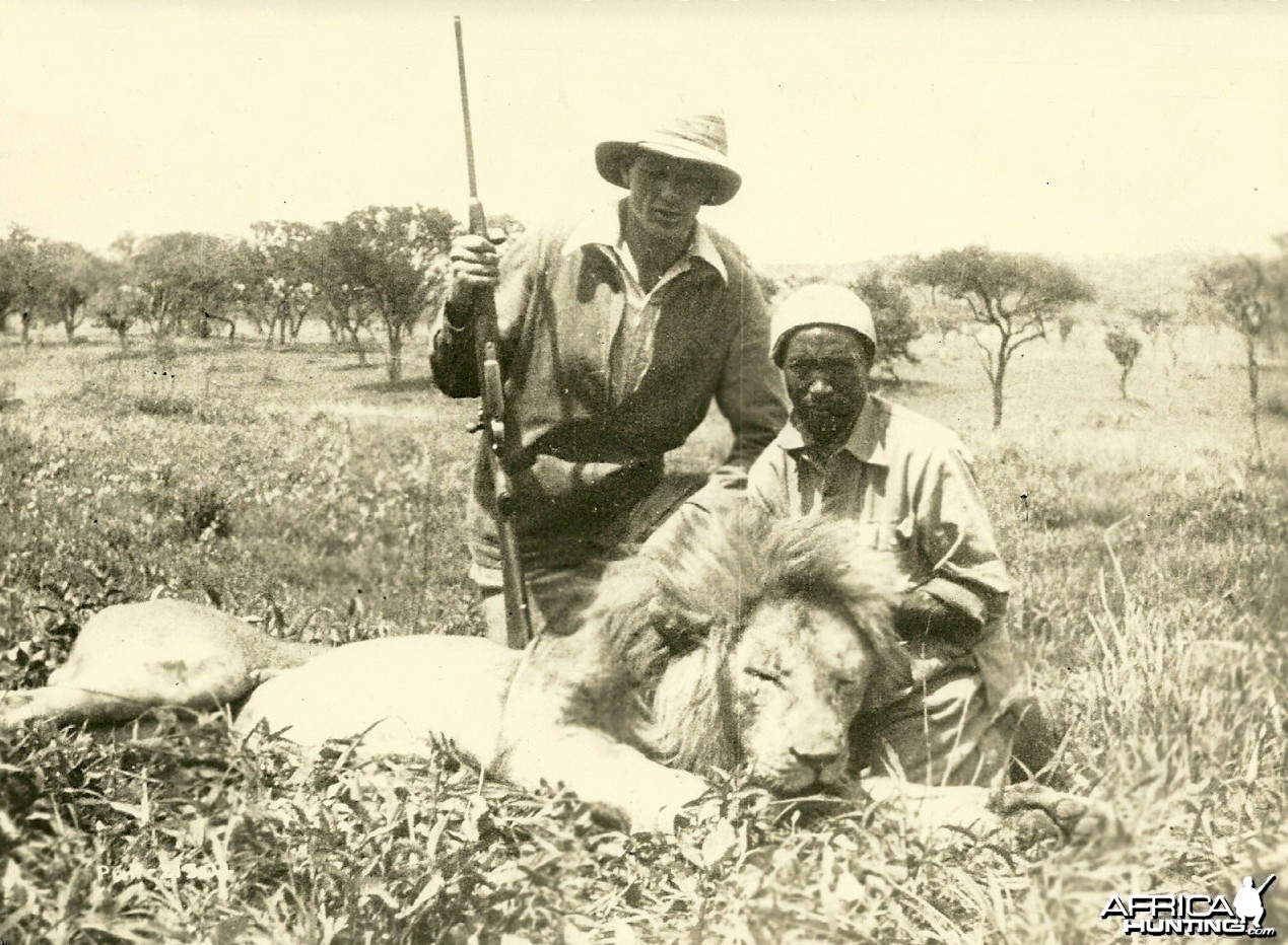 Gary Cooper Lion hunting in Africa 1930s