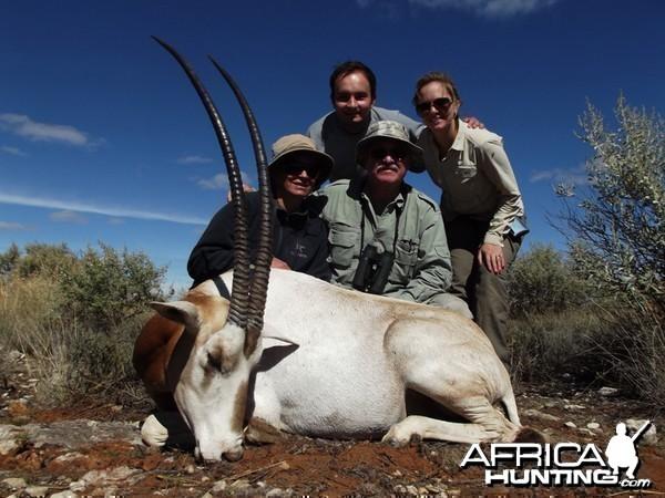 Scimitar Oryx hunt with Wintershoek Johnny Vivier Safaris