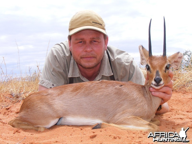 Steenbok hunt with Wintershoek Johnny Vivier Safaris