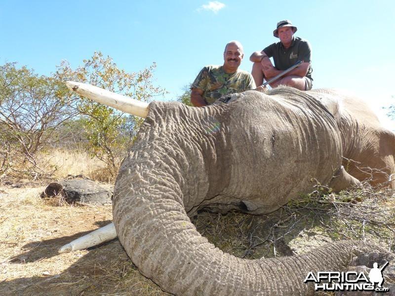 Elephanthunt with Wintershoek Johnny Vivier Safaris