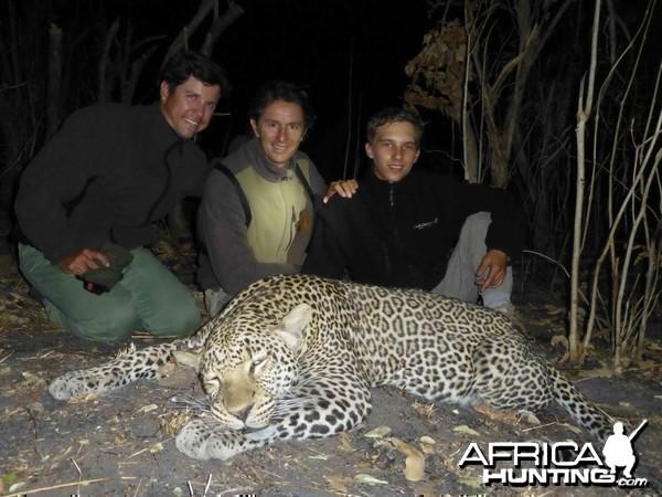 Leopard Selous 2013