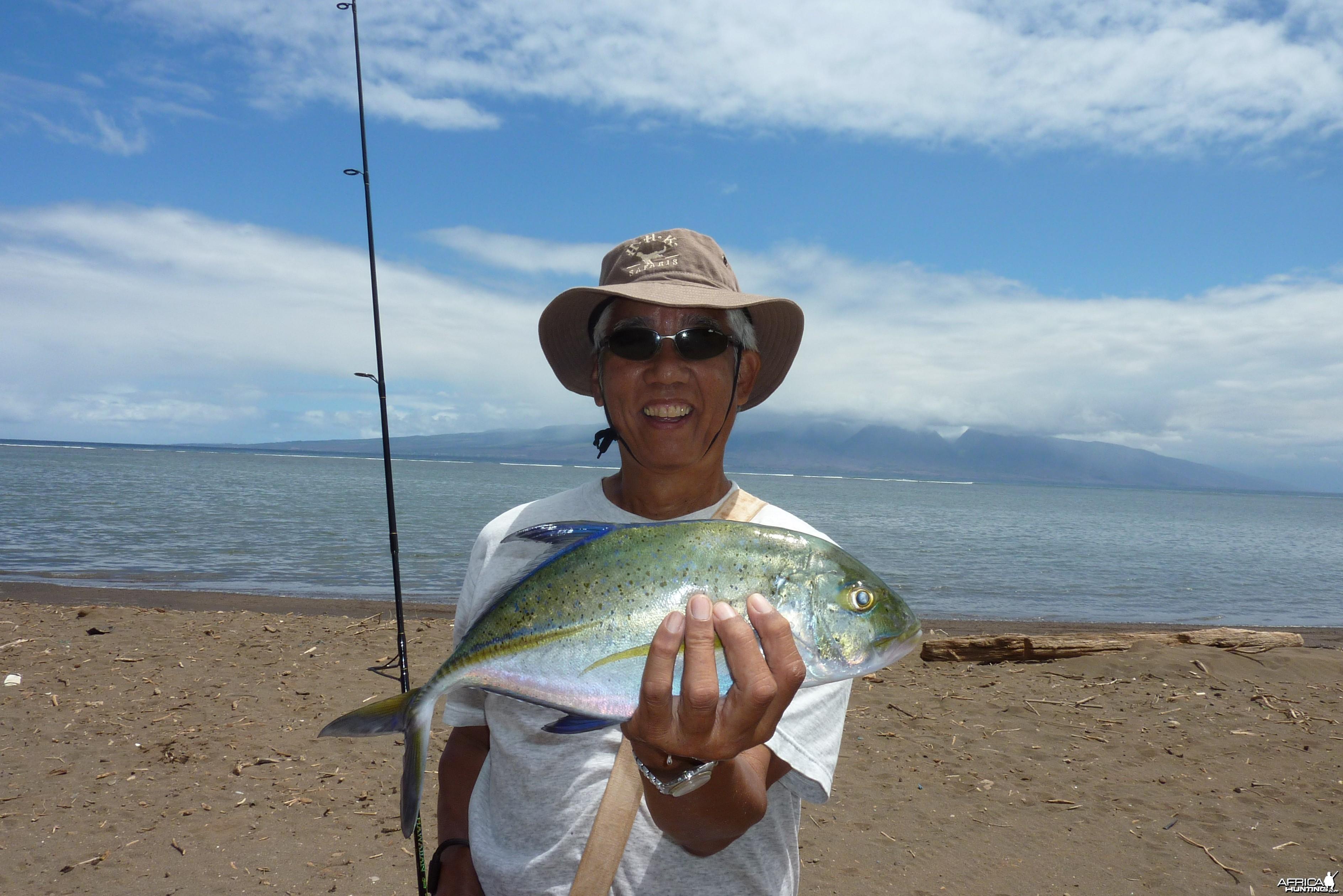 Shoreline fishing in Hawaii