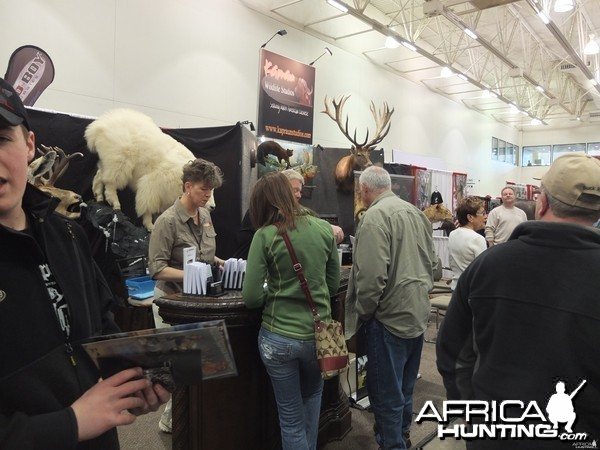 Free African Giveaway at the Madison Expo