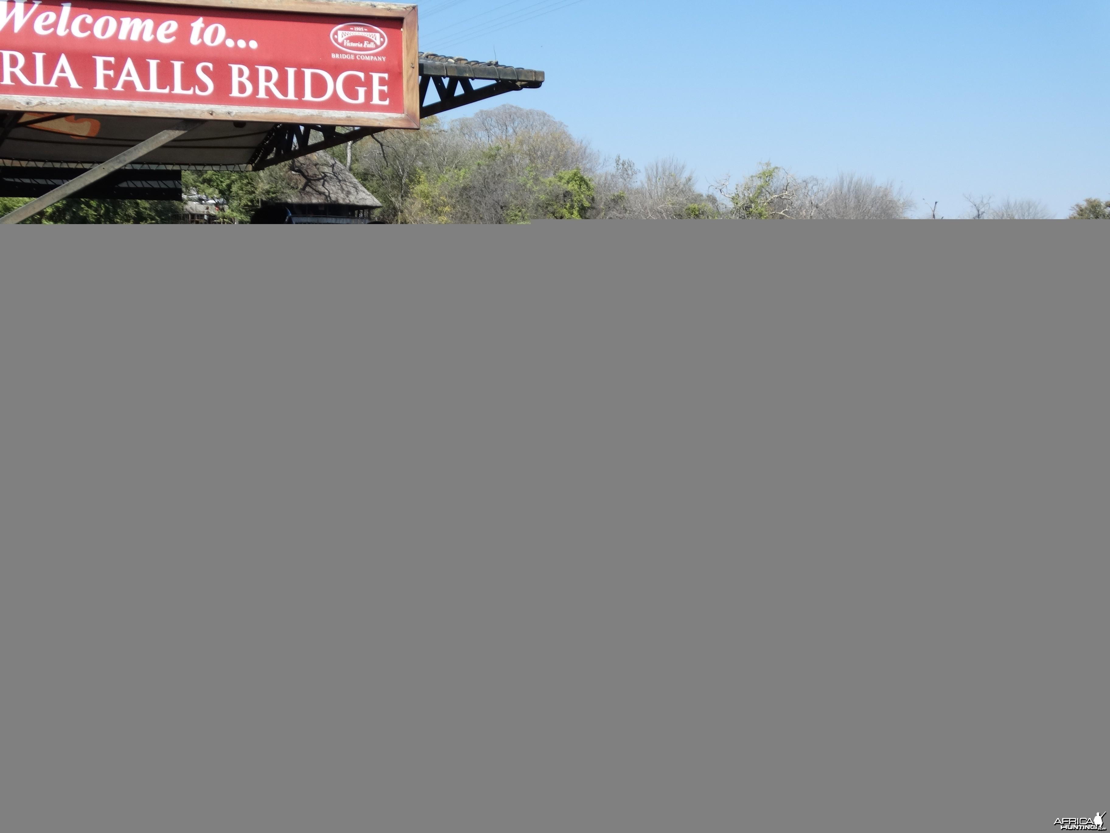 Paul bungee jumping off the Zambezi R bridge