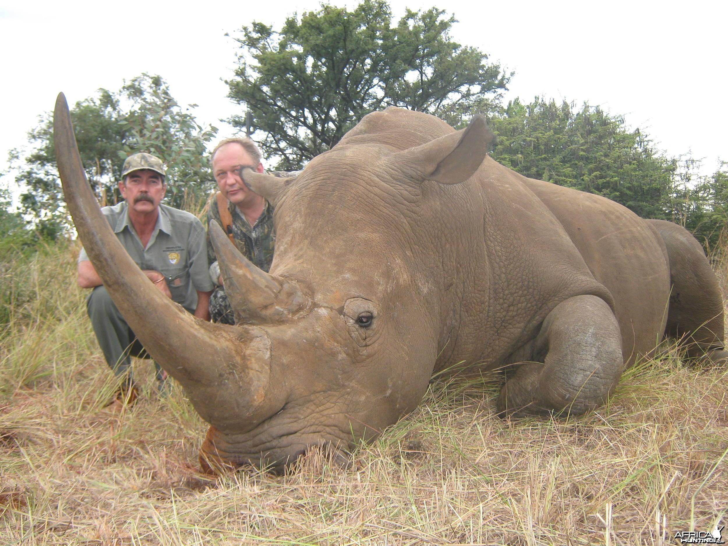 Hunting White Rhino - Vladimir  Kozlov