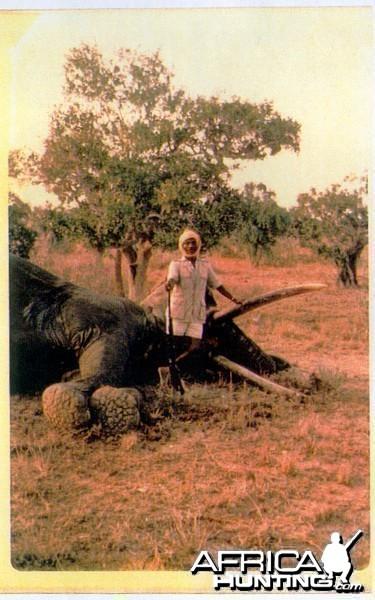 Elephant Ali, Somali gunbearer