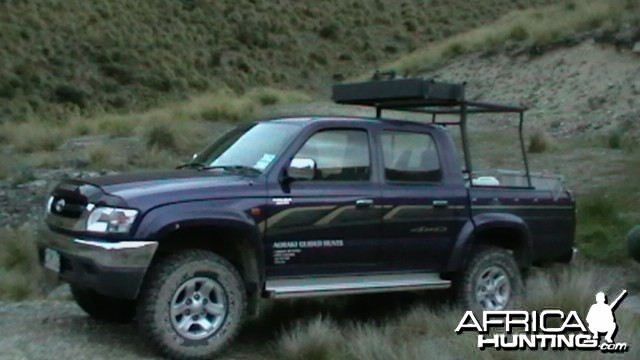 Spotlighting set - up off back of Hilux