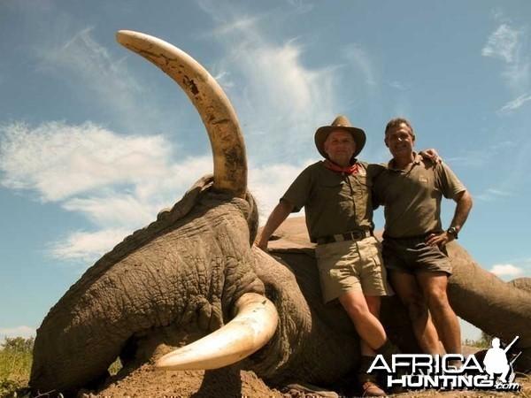 104 pounds tusker with Johan Calitz Safaris in Botswana - PH Willy McDonald