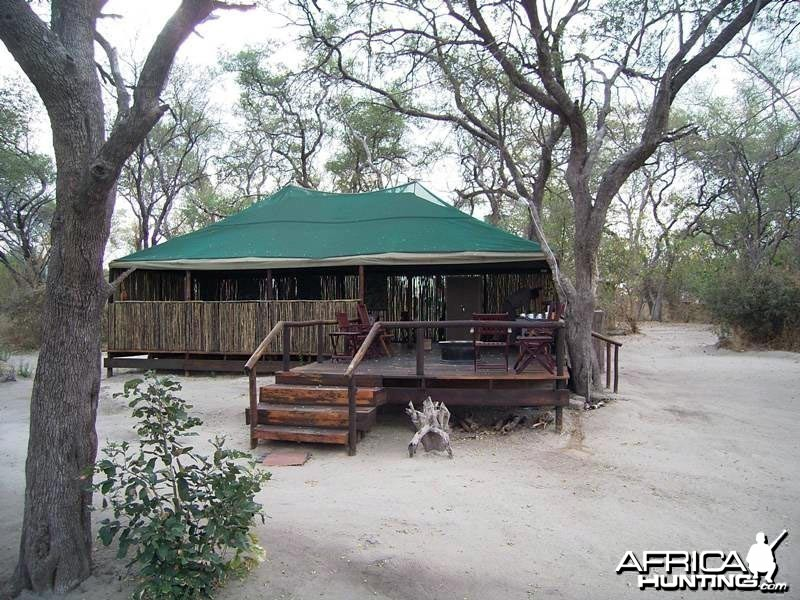 Johan Calitz Safaris Botswana - Sankuyo Camp