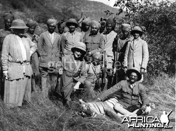 Hunting Tiger - India 1922