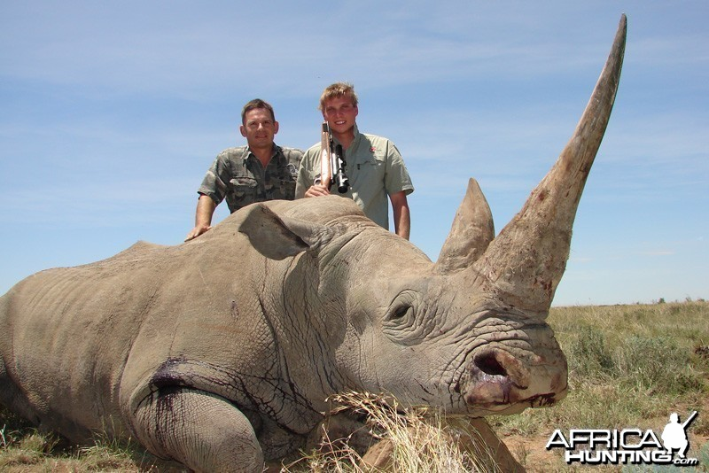 Hunting White Rhino with Cheetau Safaris - South Africa
