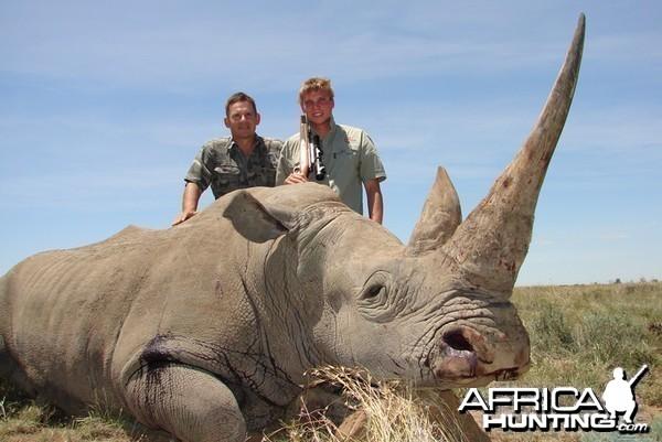 Hunting White Rhino with Cheetau Safaris - South Africa
