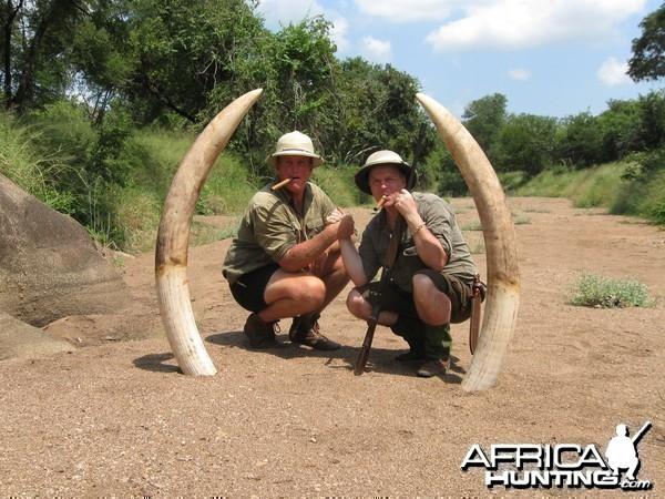 John Jensen together with the best PH in Zimbabwe Johan Bezuidenhout