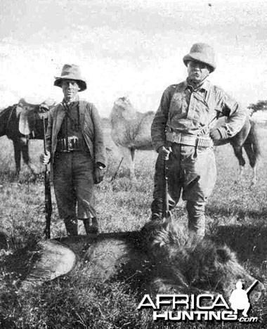 Theodore Roosevelt Hunting Lion 1909