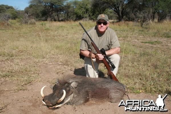 Warthog hunt Namibia