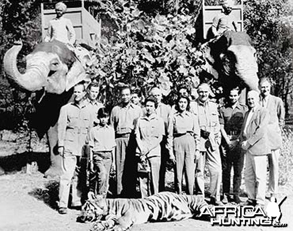 Queen Elizabeth II on Tiger hunt in India 1961
