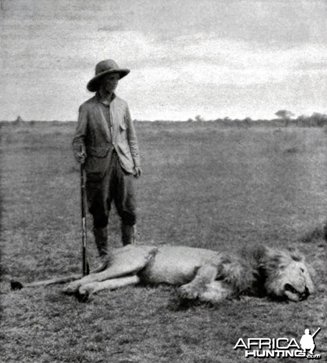 Kermit Roosevelt and his big lion