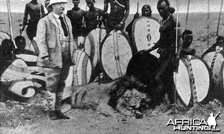 Theodore Roosevelt with Masai warriors and prize lion