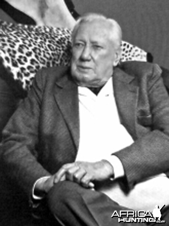 Frederick (Fred) Everett (1920-2009), Ivory Hunter