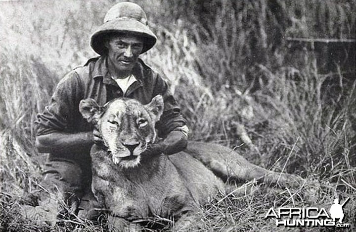 Mr. Akeley and dead Lioness