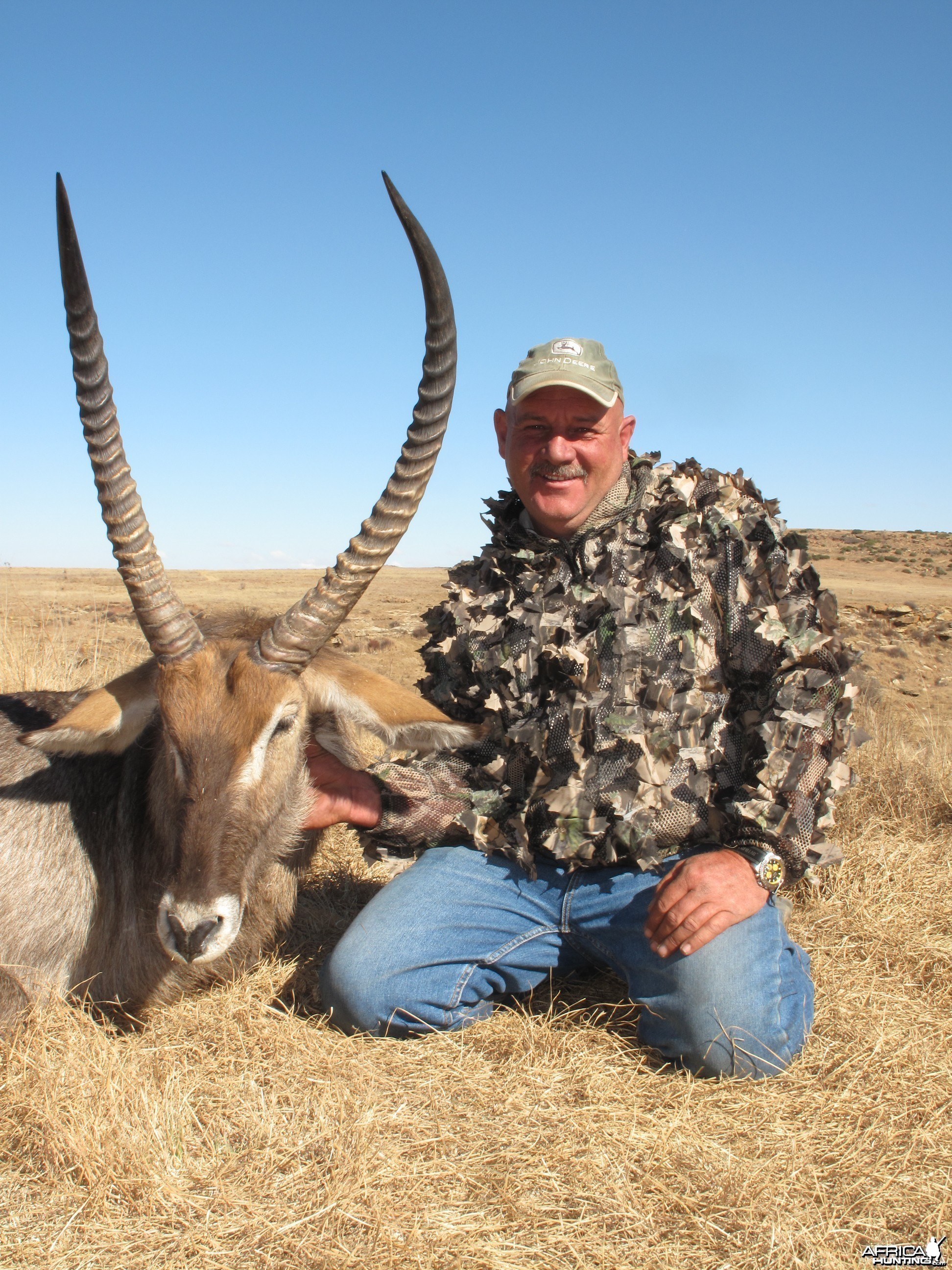 Waterbuck 28+ with bow, Hunting with Clients