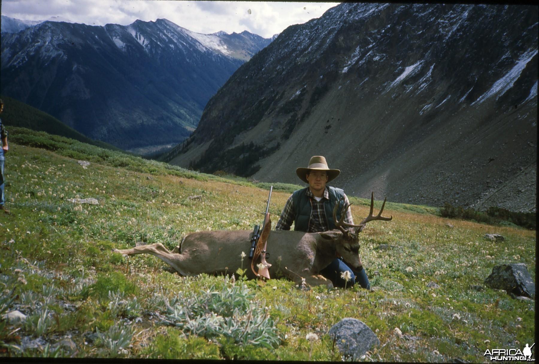 Hunting Buck Canada